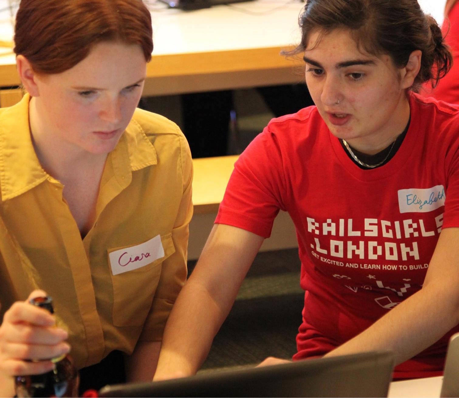 Elizabeth teaching at RailsGirls